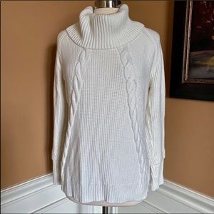 Calvin Klein ivory cable knit soft sweater